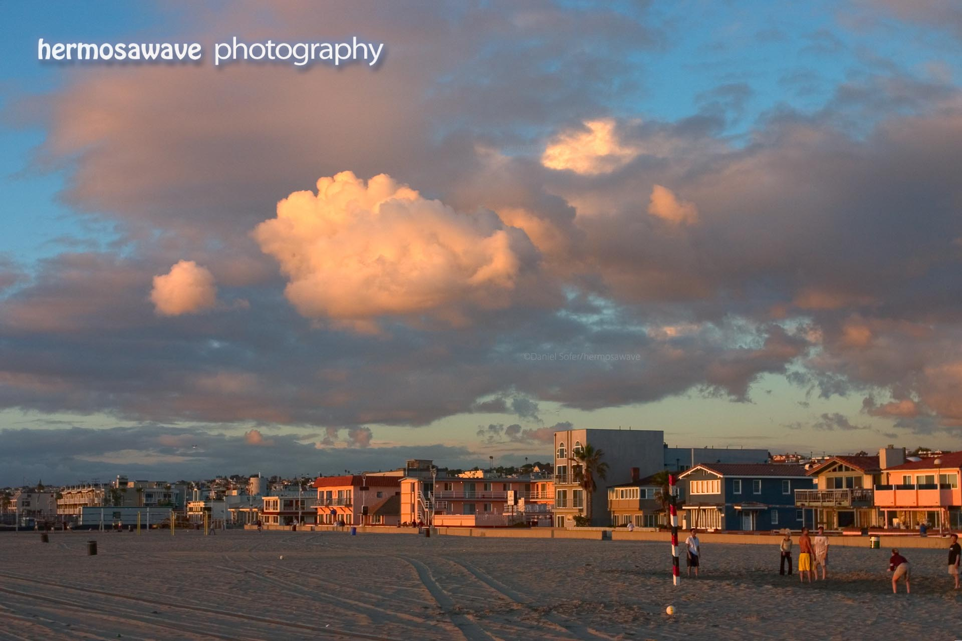 Strand and Clouds