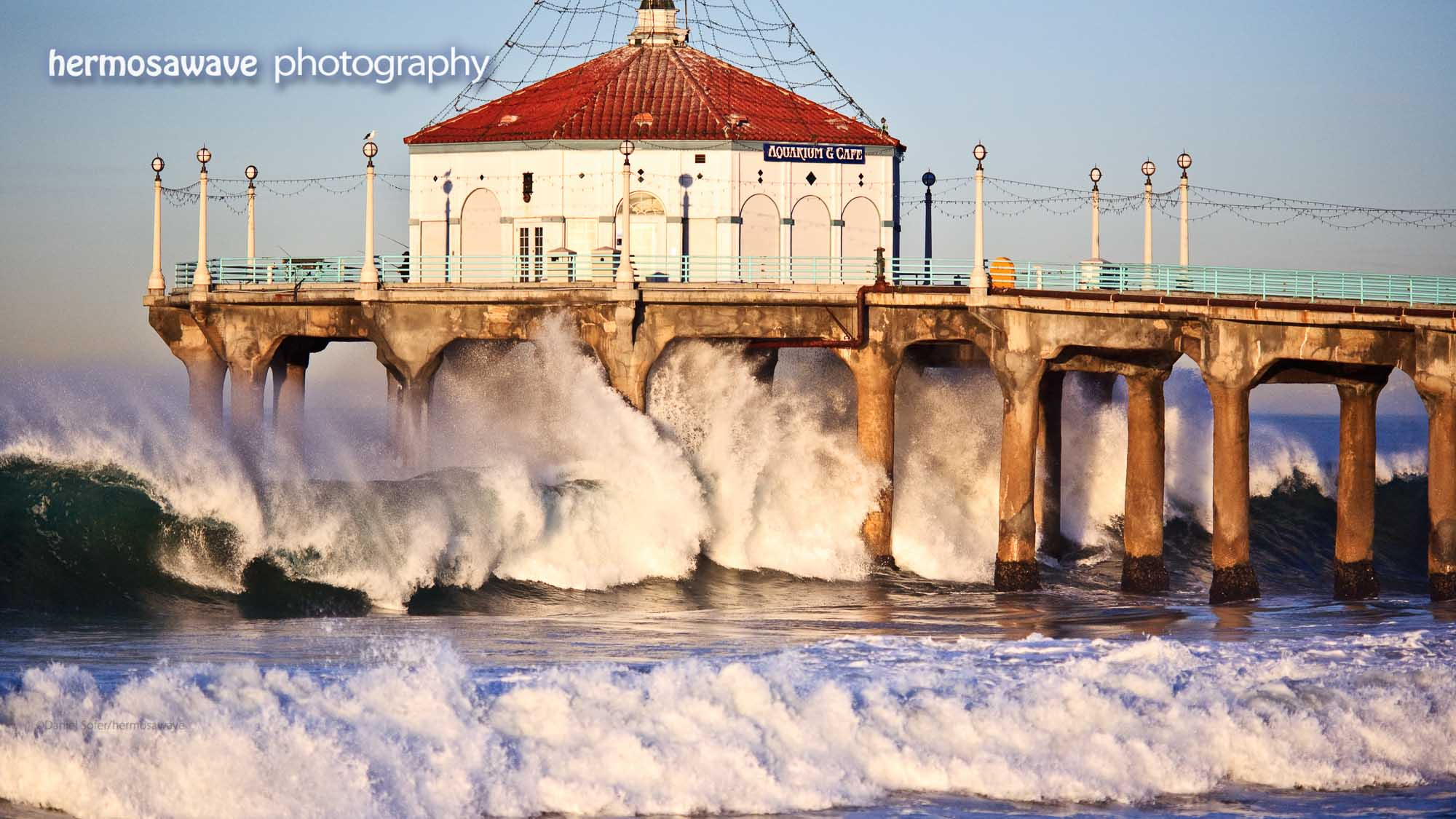 High Waves At The Manhattan Beach Pier
