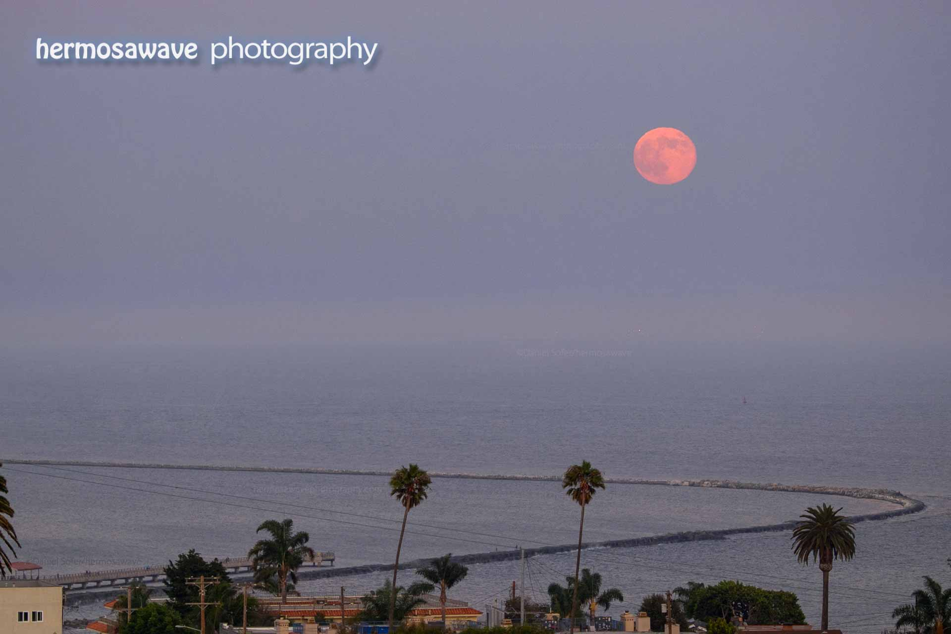 Moonrise over San Pedro